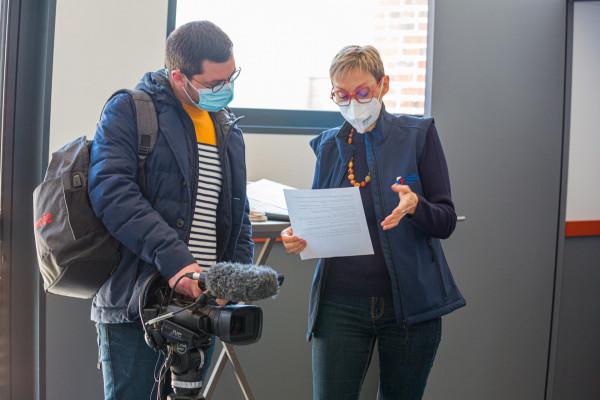 Samuel Grasset journaliste reporter d'images à TV Vendée et Brigitte Rondel